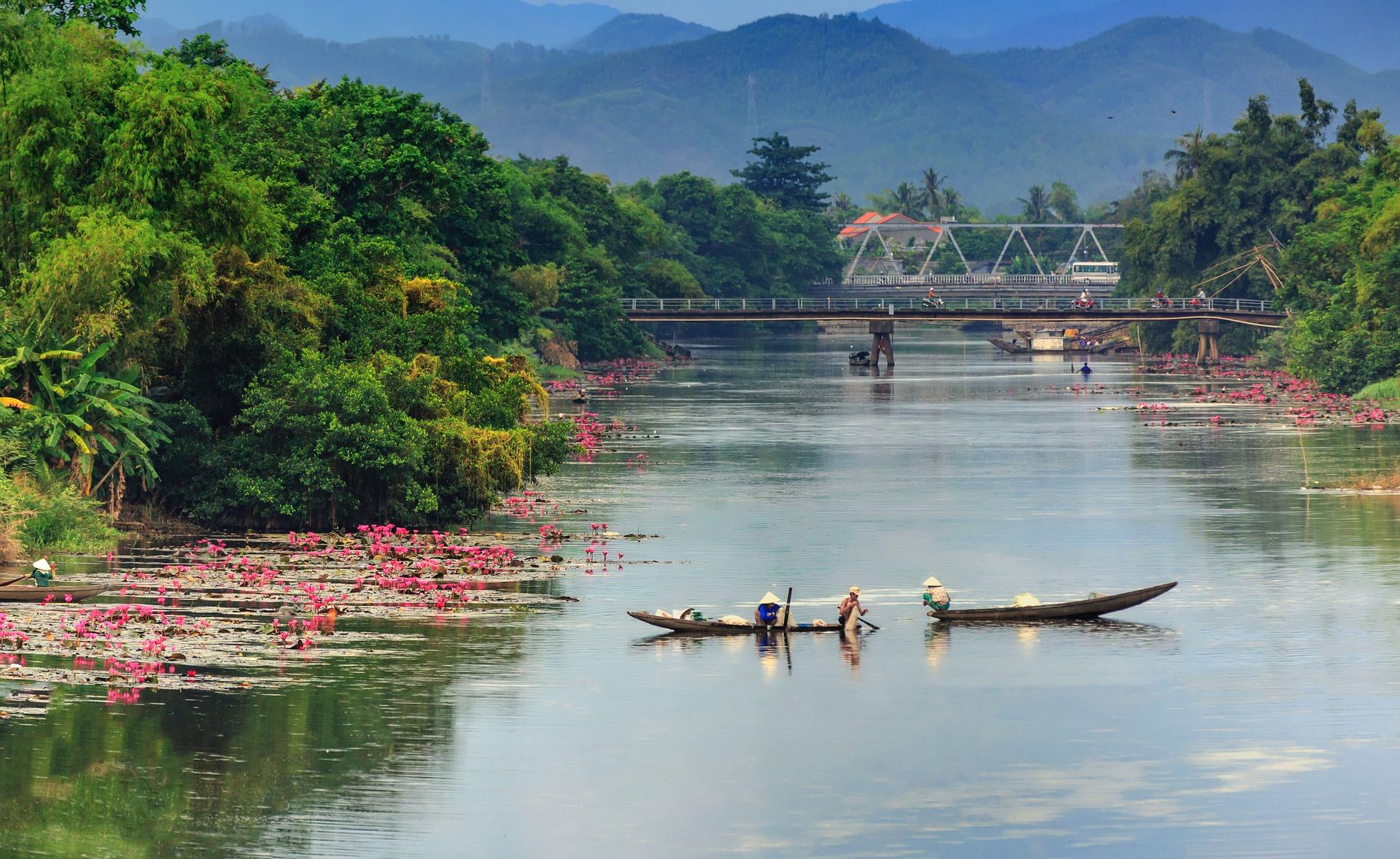 huong-river